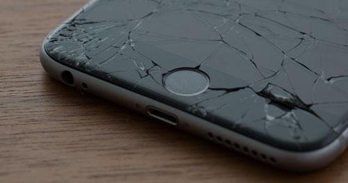 Замена дисплея в iPhone(3 опции)