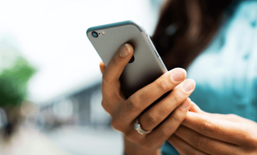 Как правильно чистить и дезинфицировать iPhone и другую технику Apple