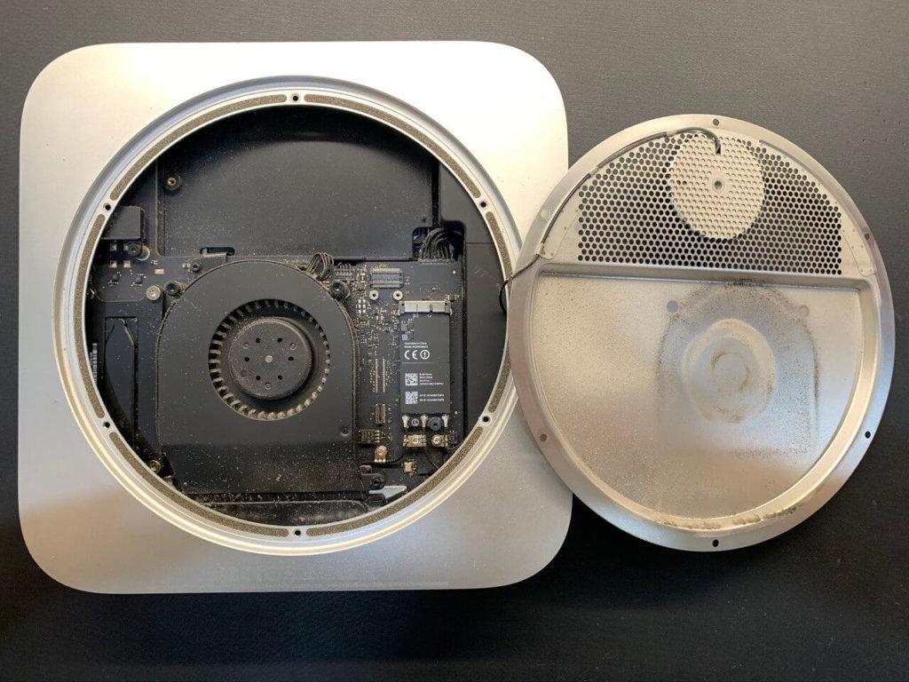 Mac mini в пыли