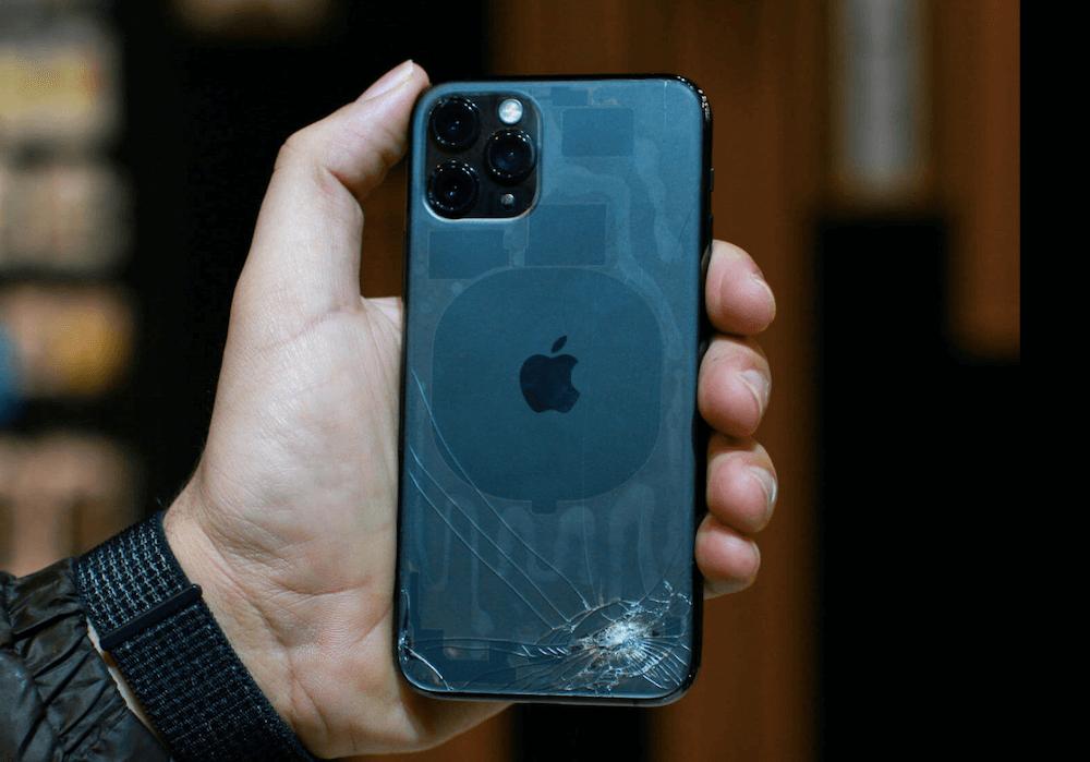 Замена заднего стекла iPhone в UiPservice